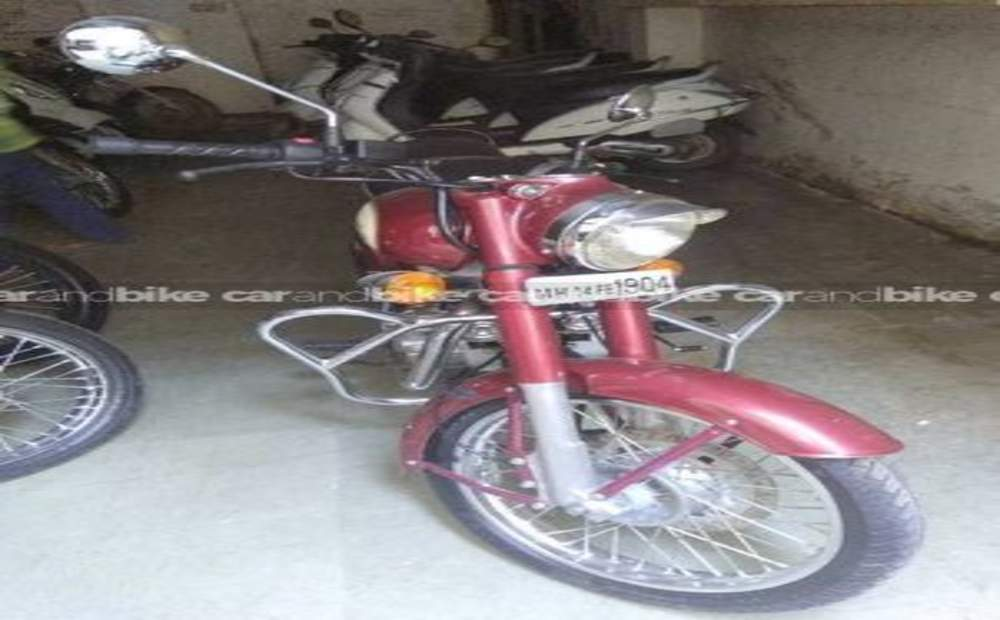 Royal Enfield Classic 350 Std Front View