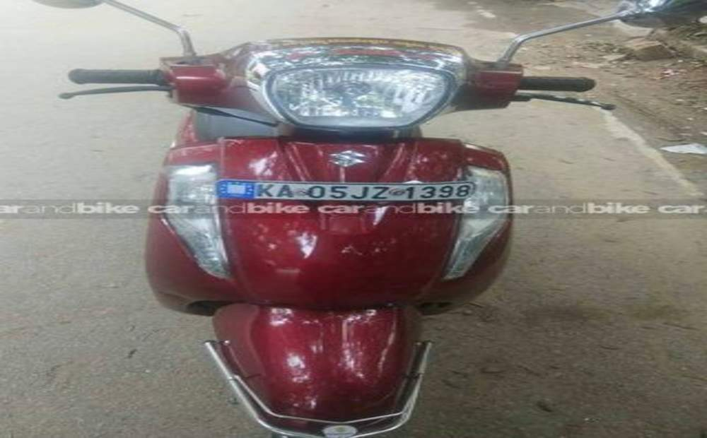 Suzuki Access 125 Special Edition Front View