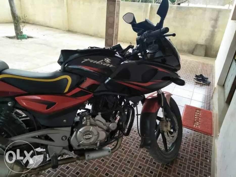 Used Bajaj Pulsar 220 Bike in Virudhachalam 2016 model