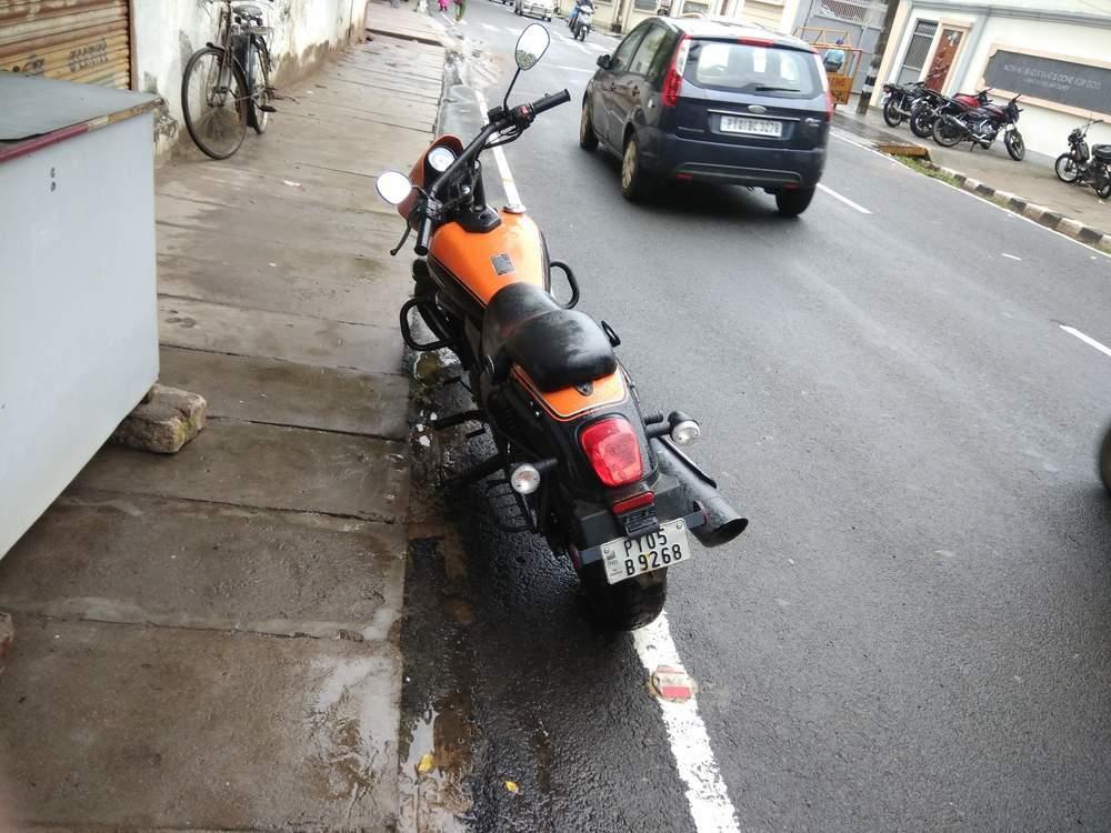 Um Motorcycles Renegade Sport S Front View