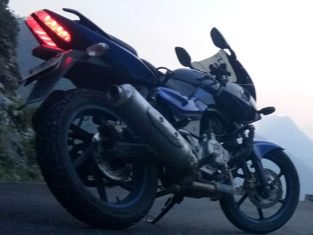 Bajaj Pulsar Rs 200 Rear View