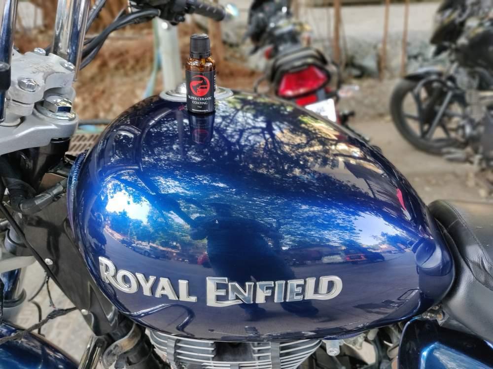 Royal Enfield Thunderbird 350 Rear View
