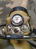 Royal Enfield Classic 500 Right Side