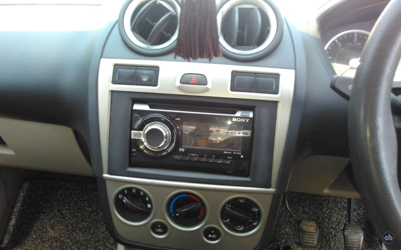 Used Ford Fiesta Classic 1 6 Duratec LXI in Lucknow 2009