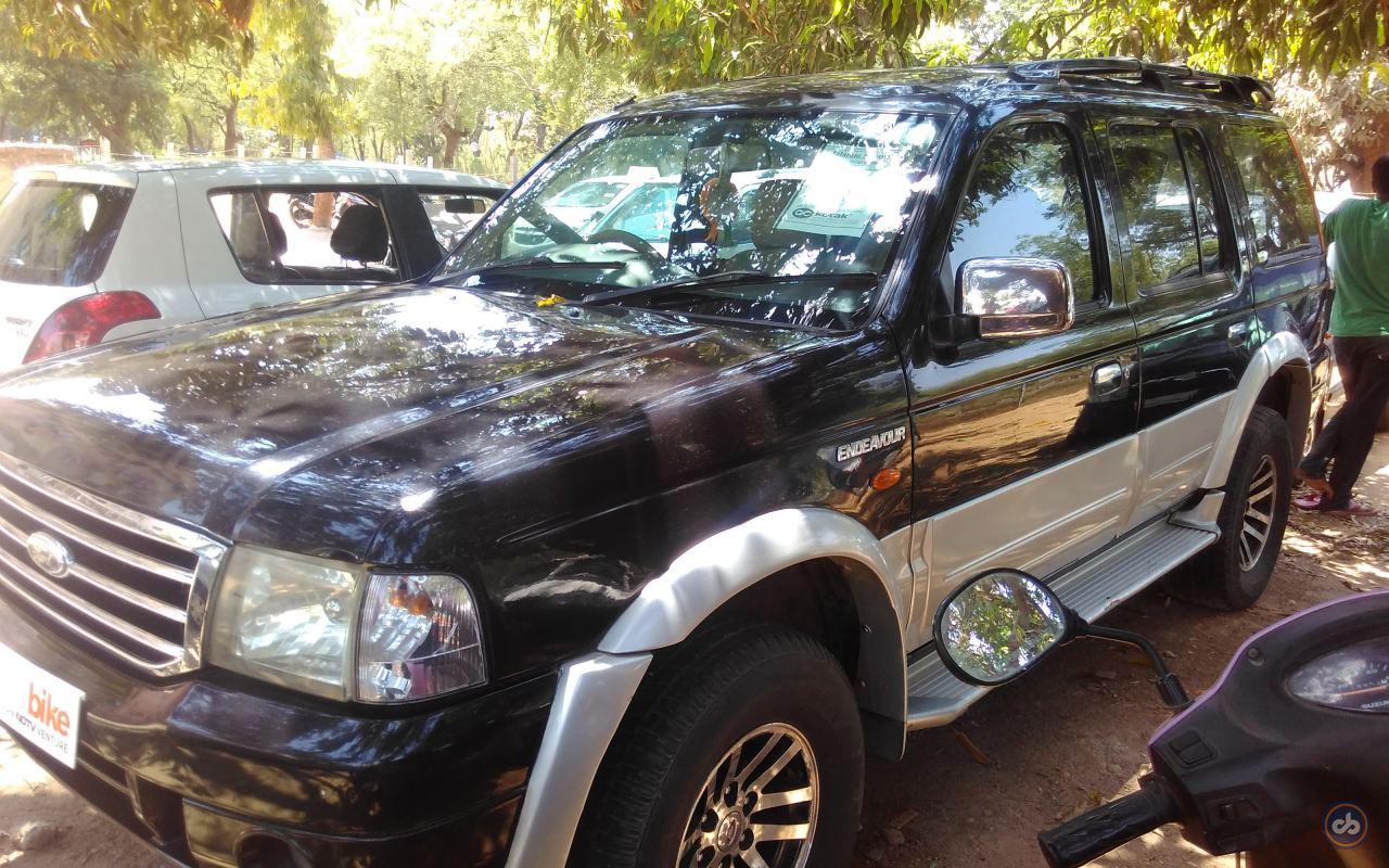 Used Ford Endeavour 2 5L 4x2 in Gandhi Nagar 2006 model