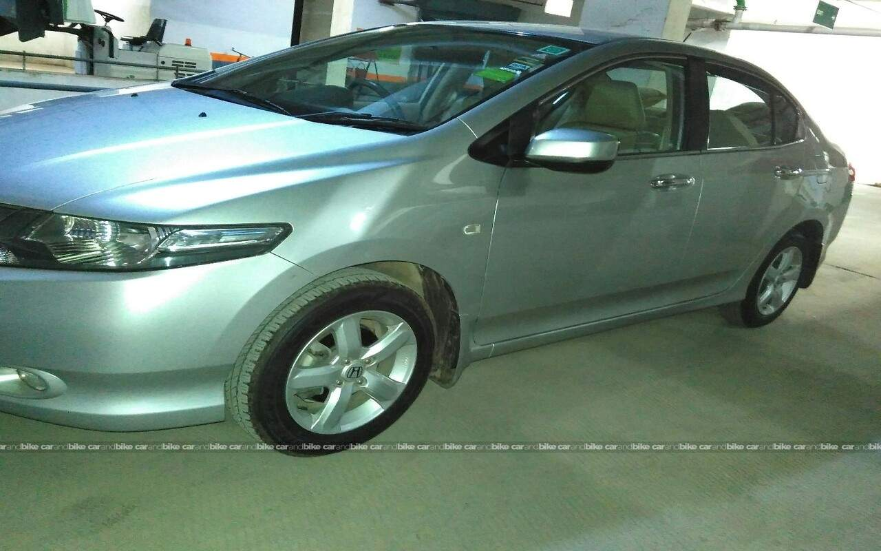 Used Honda City 15 V Mt Exclusive In Gurgaon 2011 Model India At Front View Bikes Left Side Angle