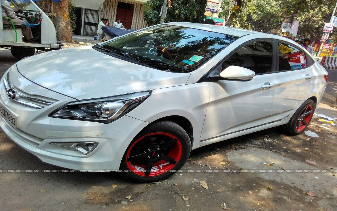 Hyundai Verna Front Left Side Angle View