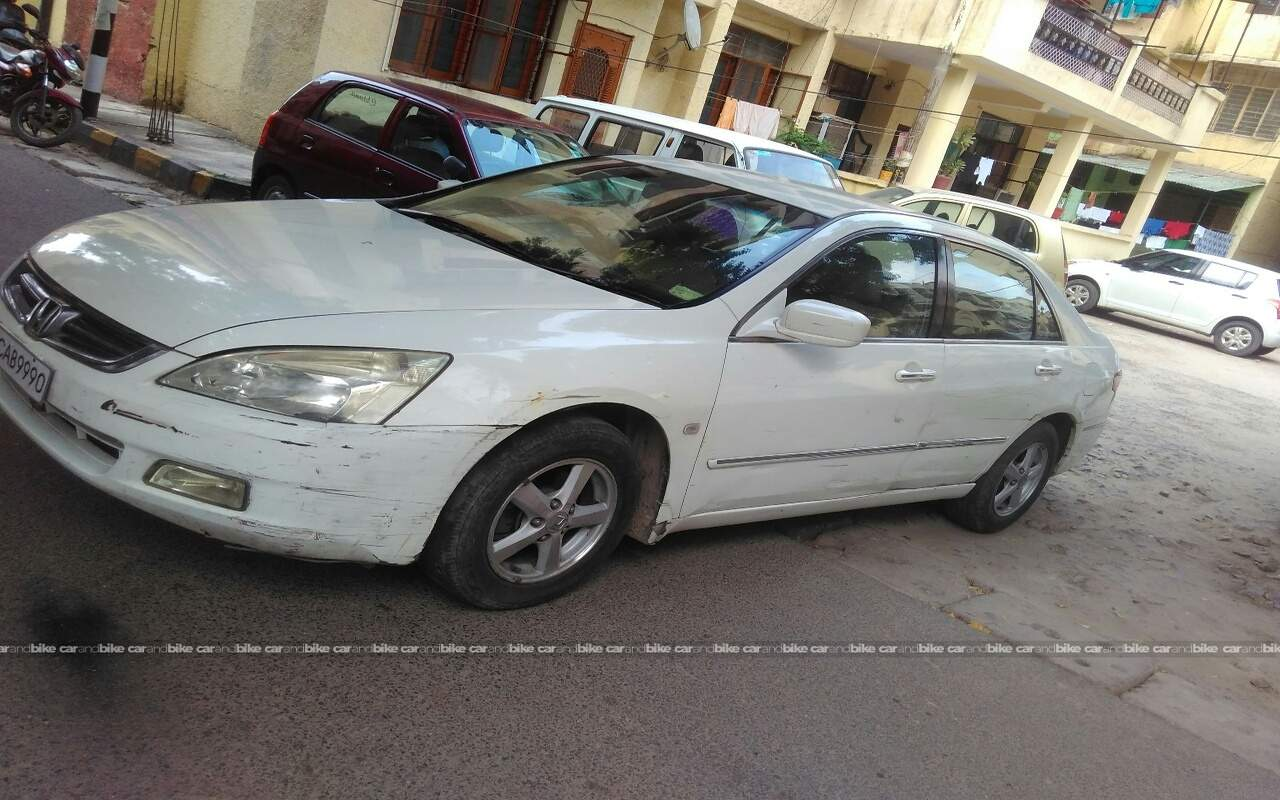 Used Honda Accord 24 Mt In Central Delhi 2006 Model India At Best Front View Bikes Left Side Angle
