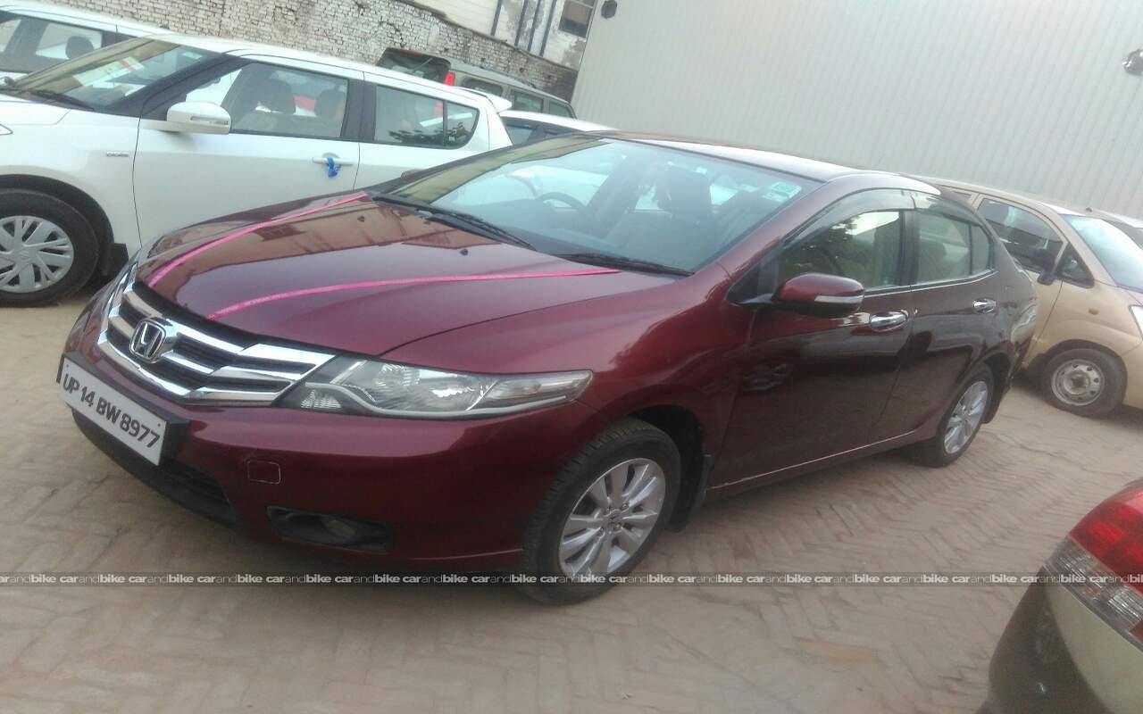 Used Honda City 15 V Mt In Noida 2013 Model India At Best Price Front View Bikes Left Side Angle