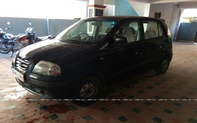 Hyundai Santro Front Left Side Angle View