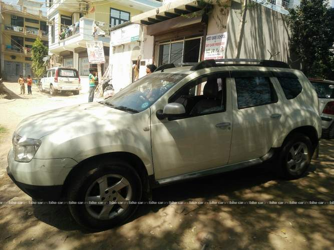 used renault duster rxz diesel 110ps 4x2 mt in new delhi 2013 model india at best price id 17266. Black Bedroom Furniture Sets. Home Design Ideas