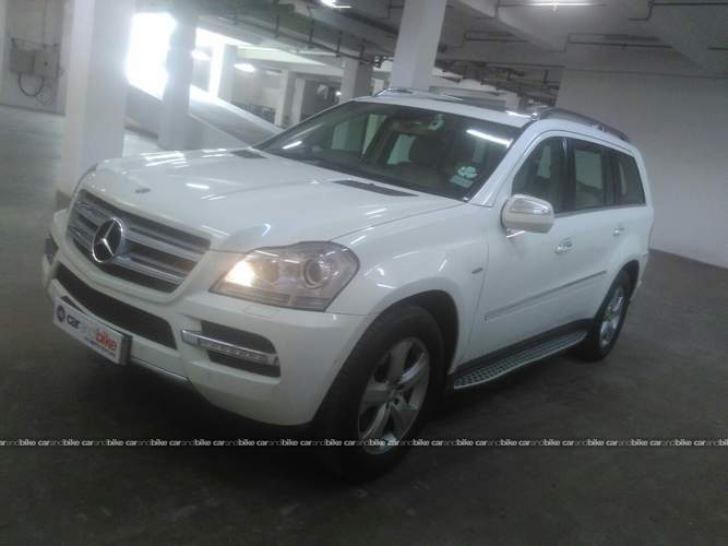 Mercedes Benz Gl Class Front Left Side Angle View