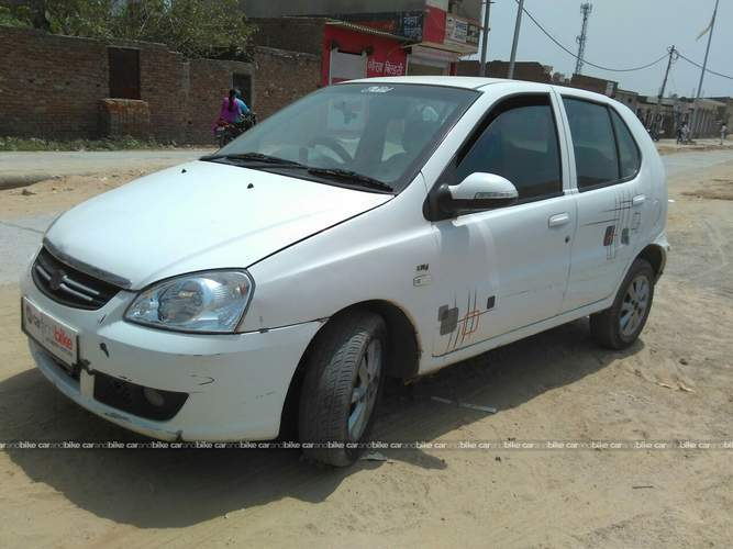 Tata Indica V2 Front Left Side Angle View
