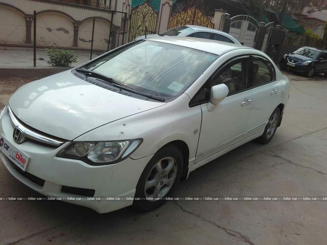 Honda Civic Front Left Side Angle View
