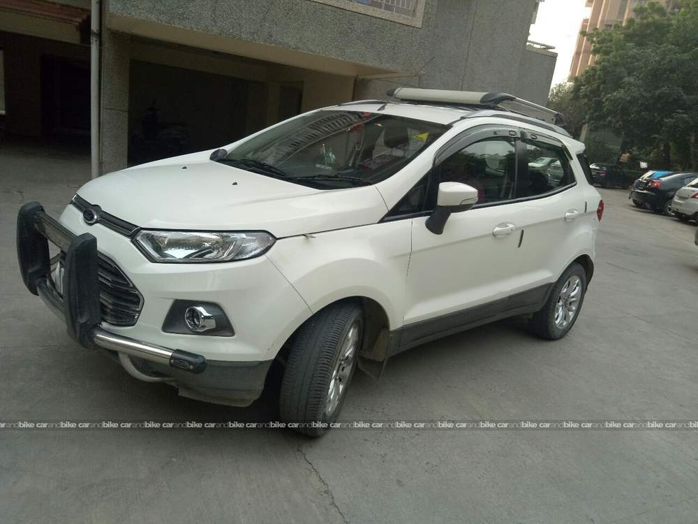 Ford Ecosport Front Left Side Angle View
