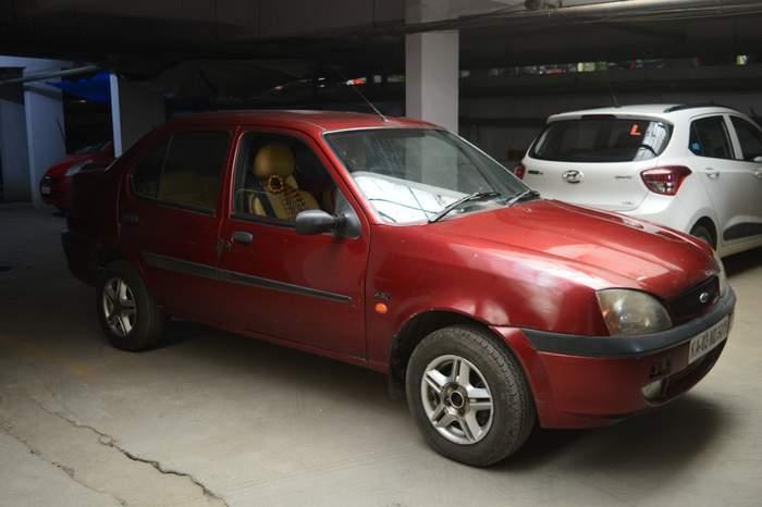 ford ikon  zxi  bangalore  model india   price id