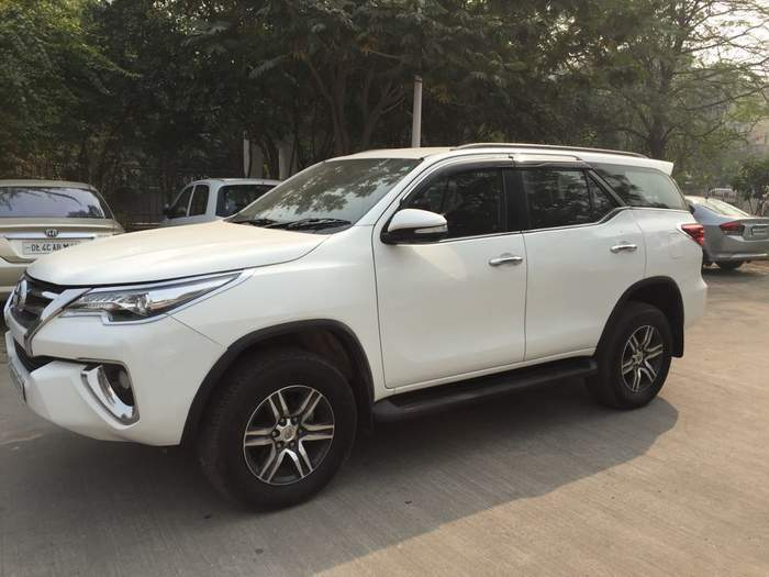 Used Toyota Fortuner 2 8 4x2 At In New Delhi 2016 Model India At Best Price Id 26101