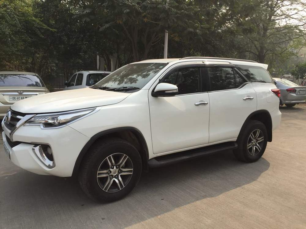 Used Toyota Fortuner 2 8 4x2 At In New Delhi 2016 Model