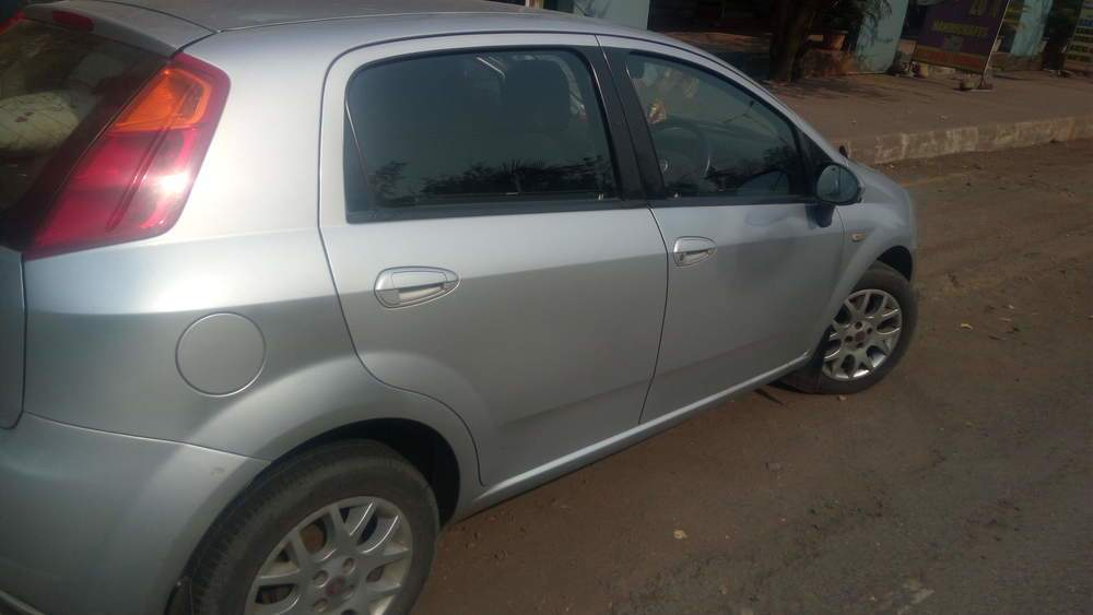 Used fiat grande punto 14 emotion in panvel 2010 model india at fiat grande punto left side view sciox Gallery