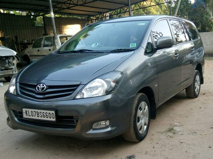 used toyota innova euro iv 2 5 gx 7 seater in ernakulam 2011 model india at best price id 27265. Black Bedroom Furniture Sets. Home Design Ideas