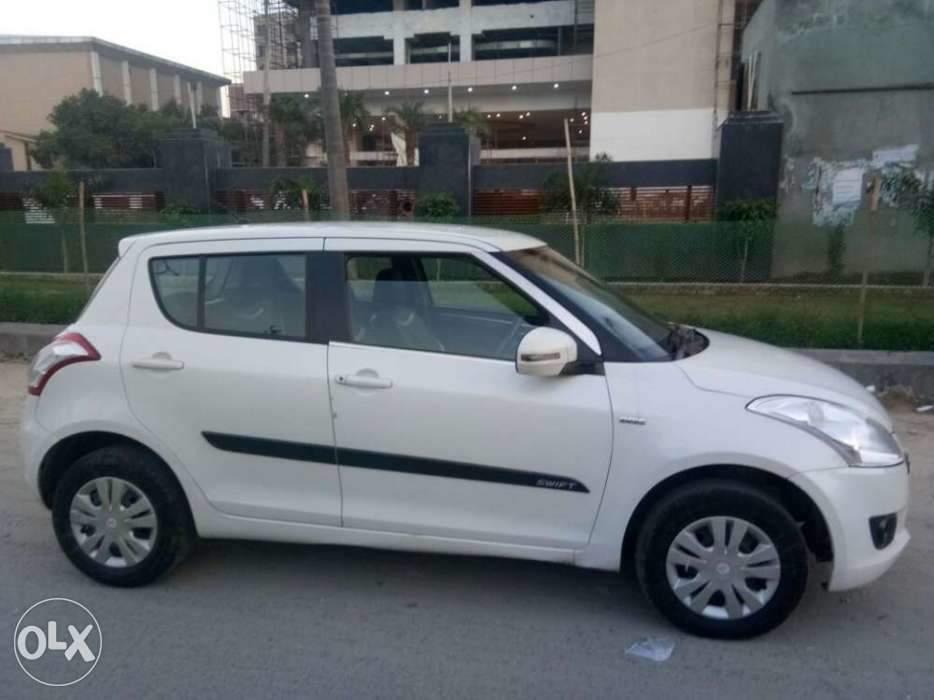 Used Maruti Suzuki Swift Vxi In New Delhi 2013 Model