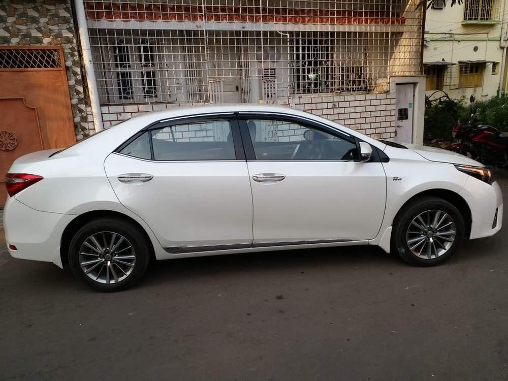 Used Toyota Corolla Altis 1.8 GL In Kolkata 2016 Model
