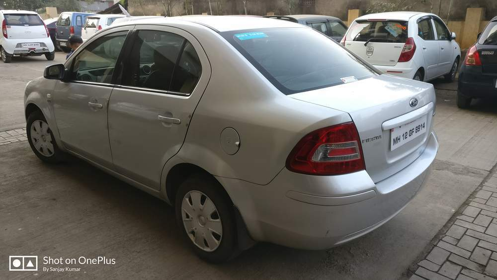 Used Ford Fiesta 1 6 Duratec Zxi In Pune 2010 Model India At Best