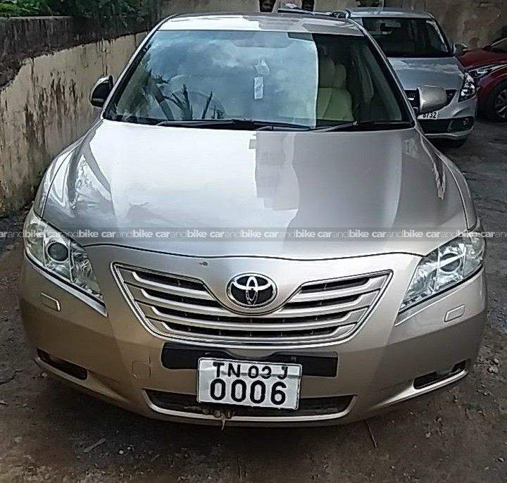 Toyota Camry W2 Rear View