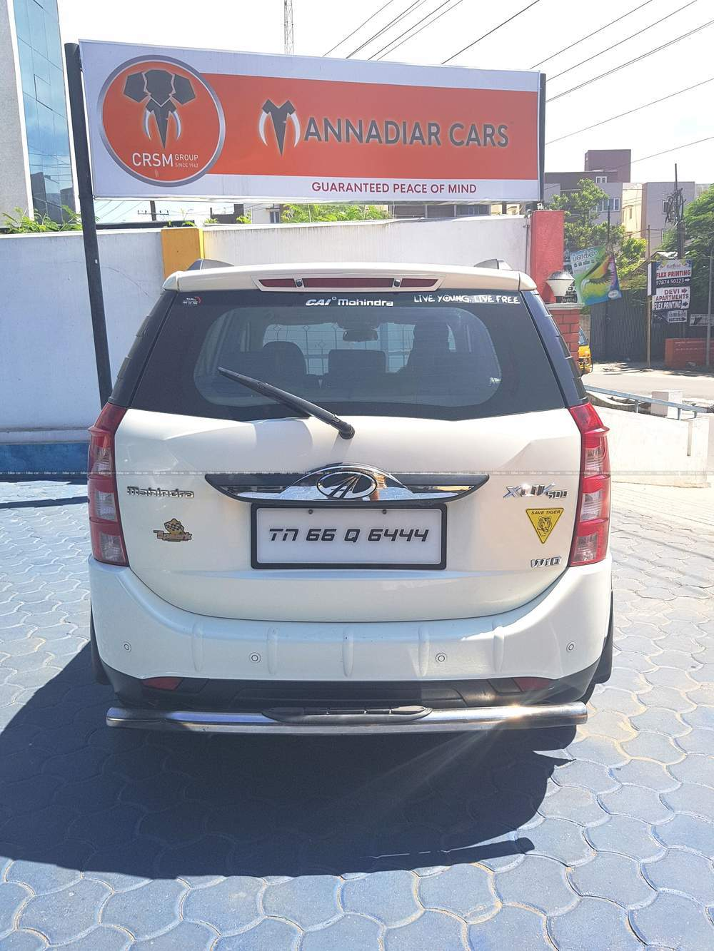 Mahindra Xuv500 W10 Awd Front Left Side Angle View
