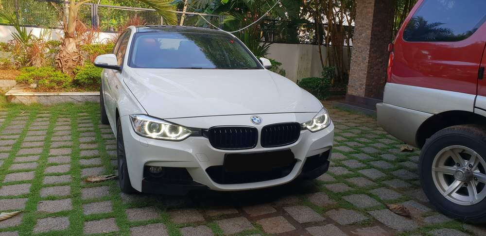 Used BMW 3 Series 320d Sport Line in Mavelikara 2014 model, India