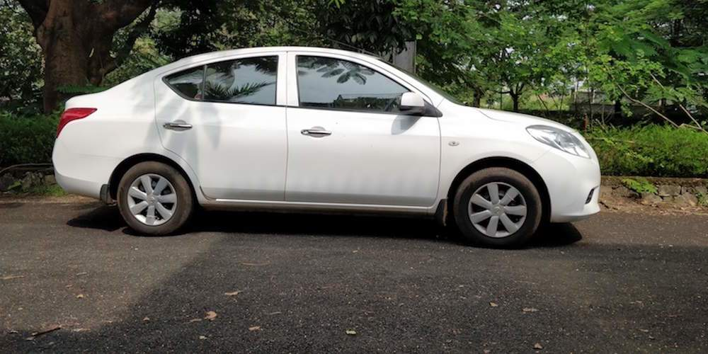 Nissan Sunny Left Side View