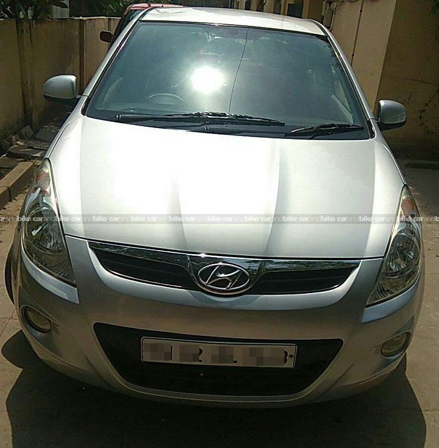 Hyundai I20 14 Asta Petrol At Front View