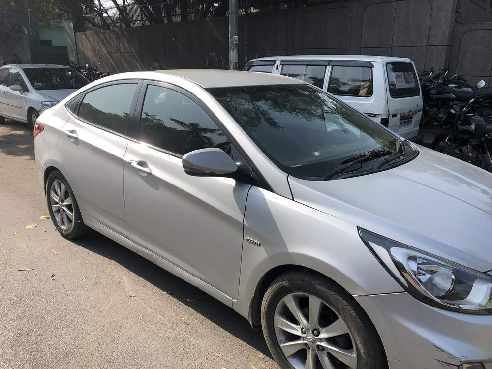 Hyundai Verna Left Side View