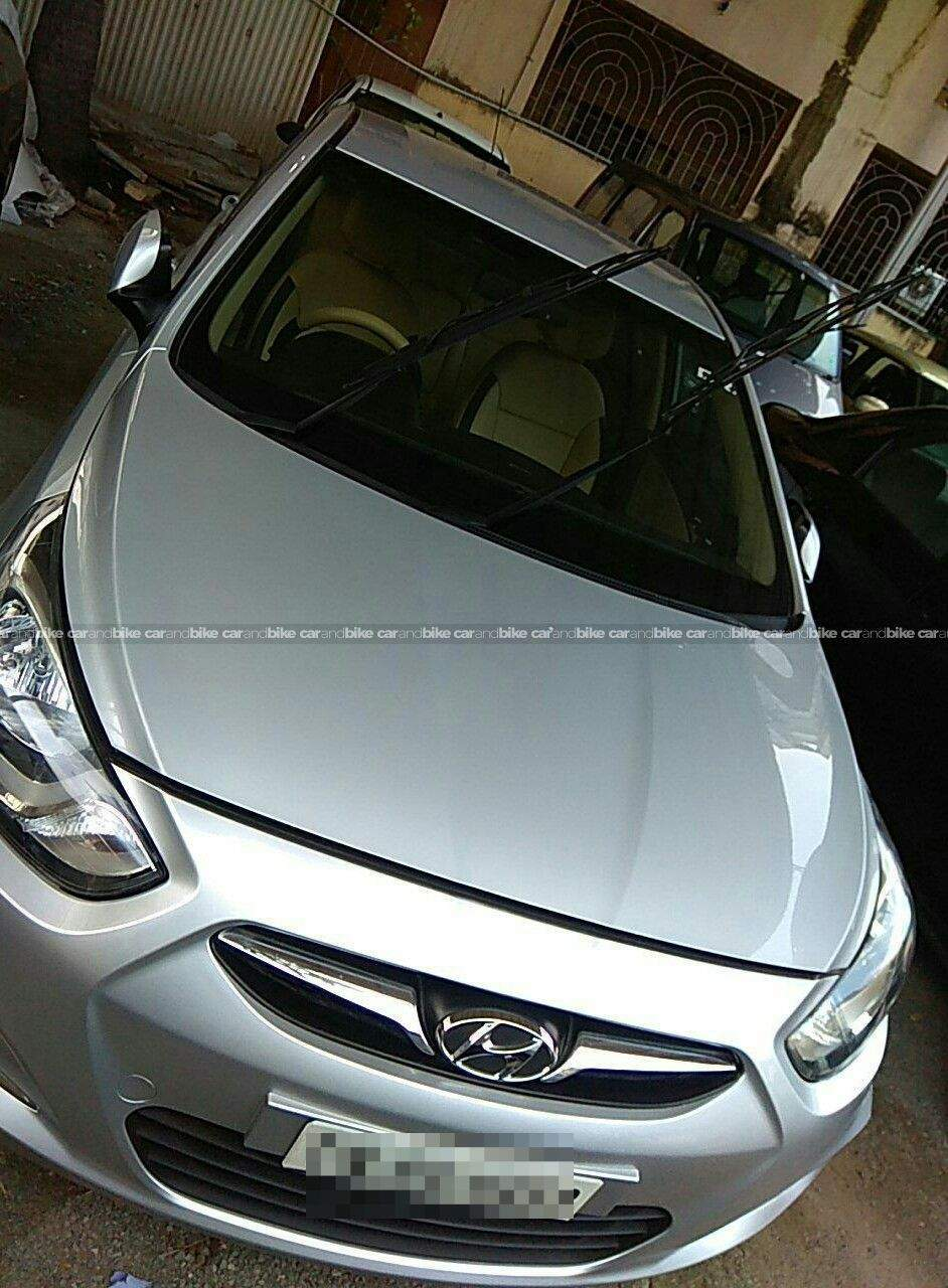 Hyundai Verna 16 Crdi Sx Mt Front Left Side Angle View