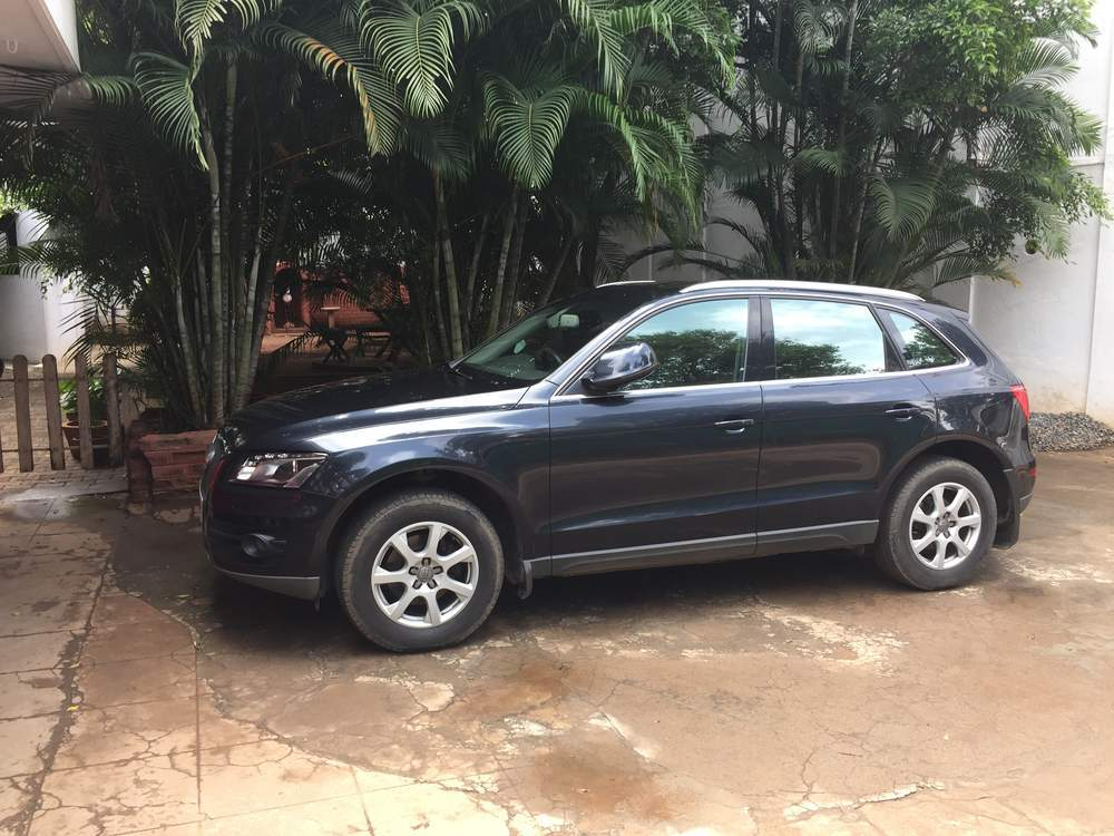 Audi Q5 Left Side View
