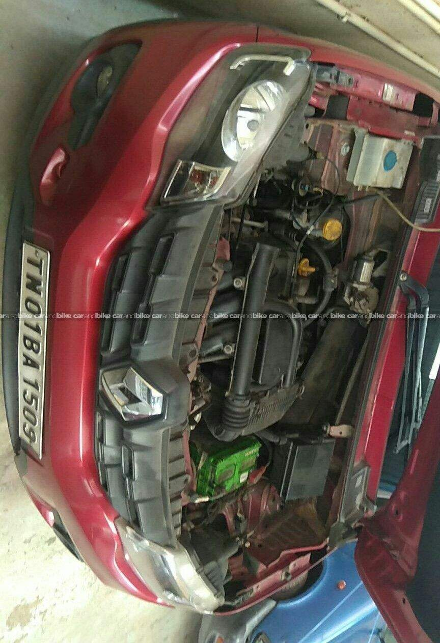 Renault Kwid Rxe 08 Front Left Side Angle View