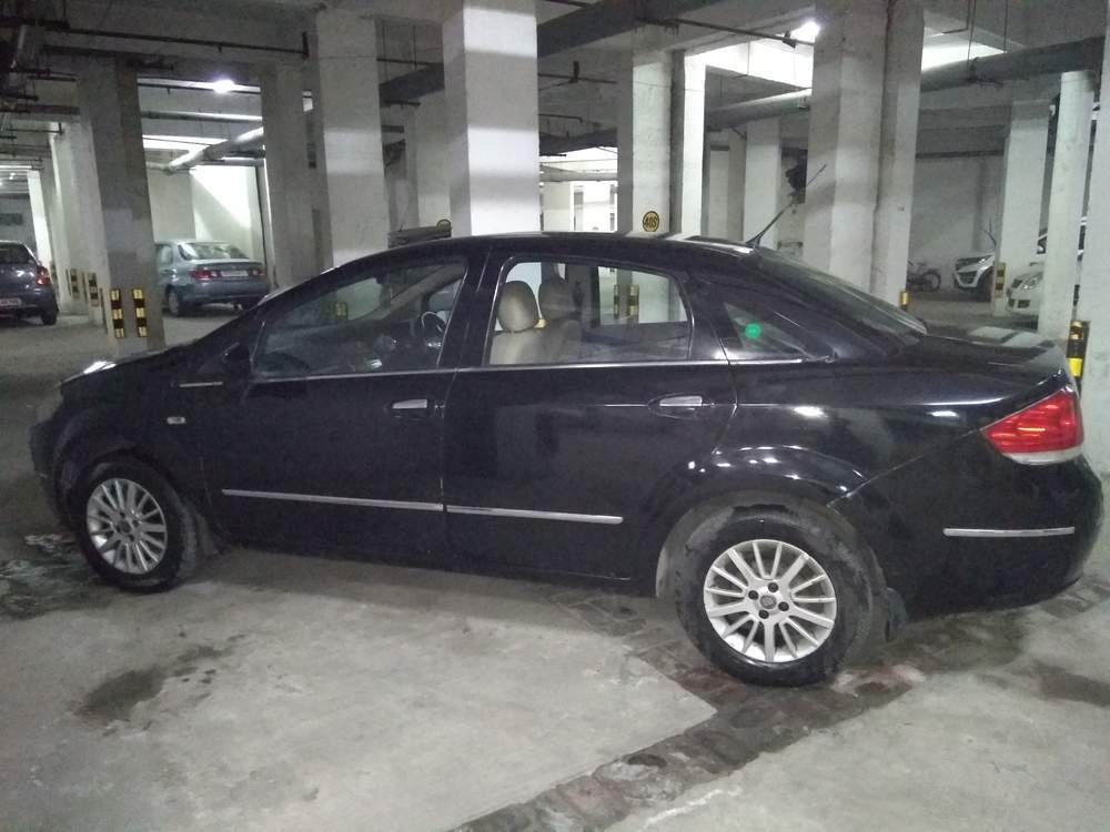Used Fiat Linea 1 4 Emotion Pack In Noida 2009 Model India At Best