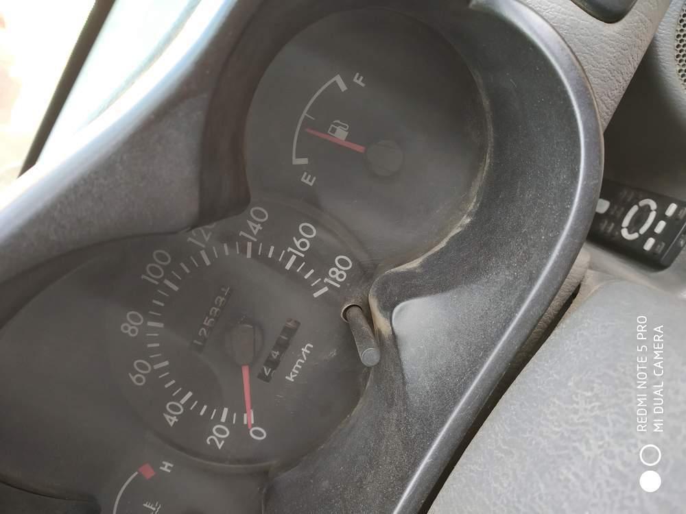 Hyundai Santro Left Side View