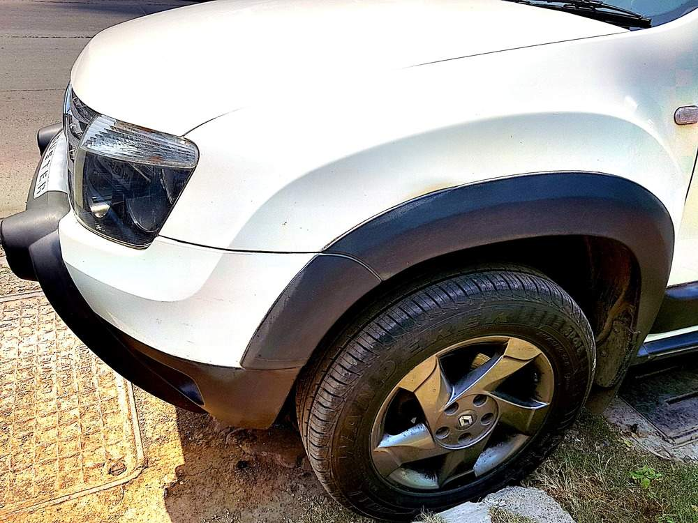 Renault Duster Left Side View