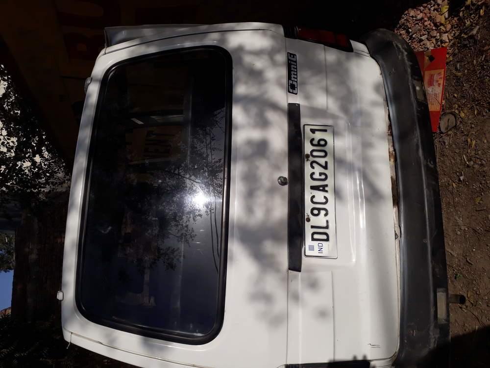 Maruti Suzuki Omni Rear Left Side Angle View
