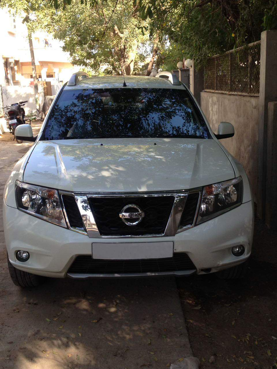 Nissan Terrano Left Side View