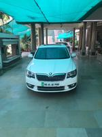 Skoda Superb Right Side View