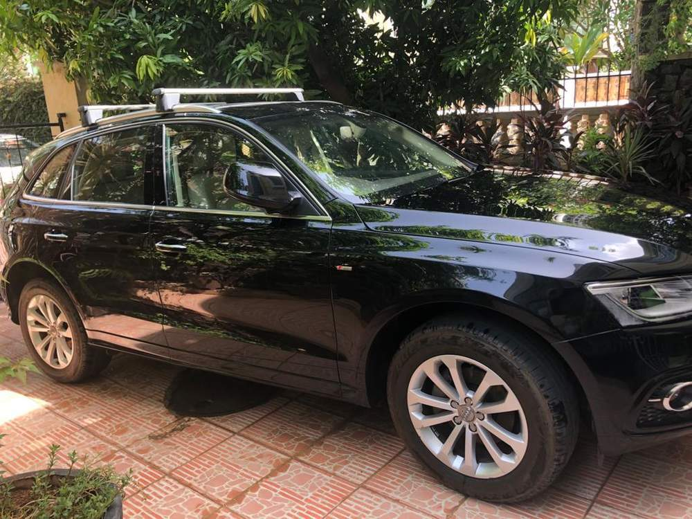 Audi Q5 Left Side View