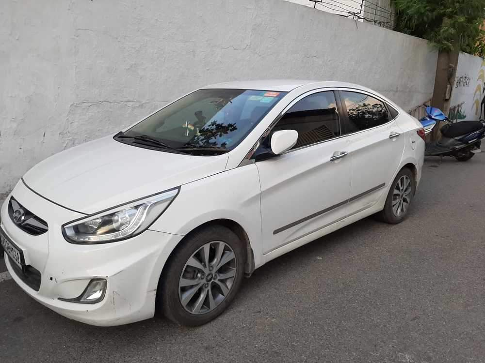 Hyundai Fluidic Verna Left Side View