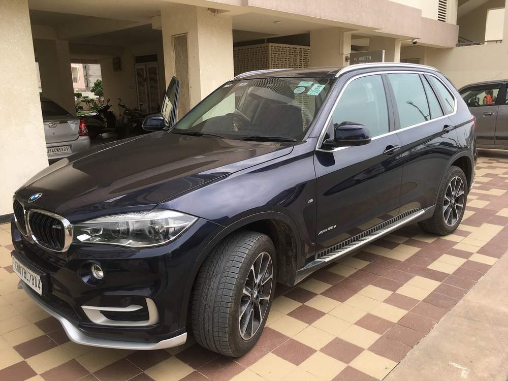 Bmw X5 Left Side View