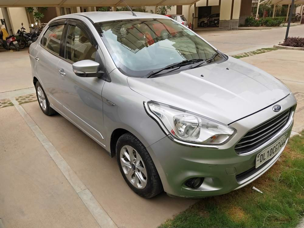 Ford Figo Aspire Right Side View