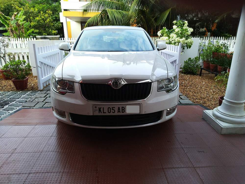 Skoda Superb Front Left Rim