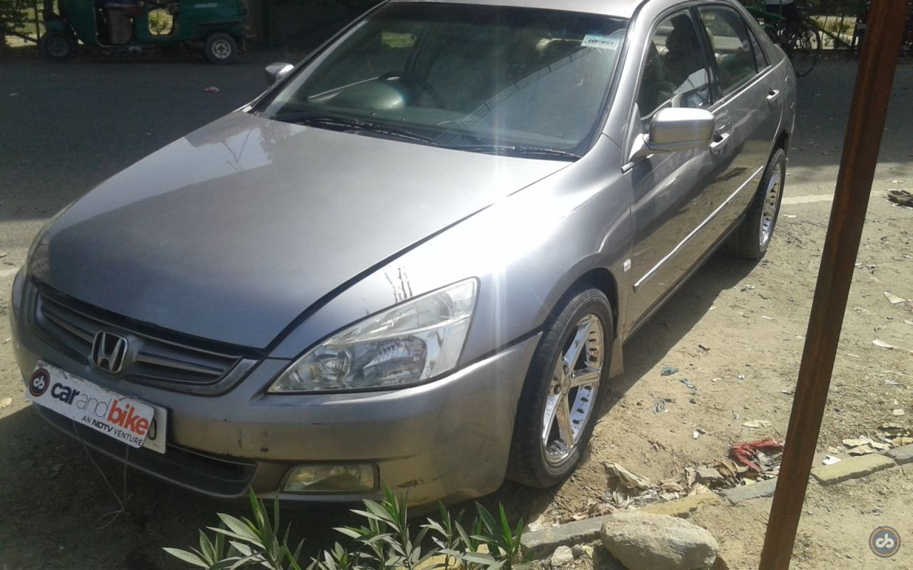 Honda Accord Front Left Side Angle View